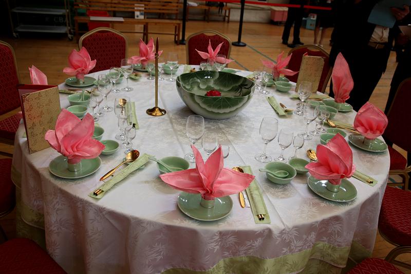 中餐宴会摆台作品2图片