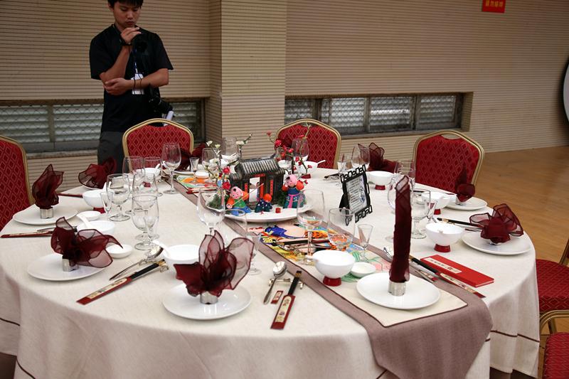 中餐宴会摆台作品4图片